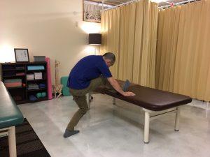 【公式】沖縄で慢性的な痛みと症状を改善する|整体の操和|背中を緩めるストレッチ2